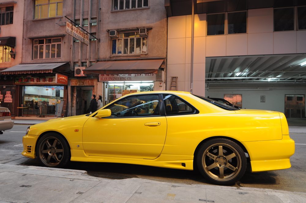 Nissan Skyline R34 GT-R with body kit